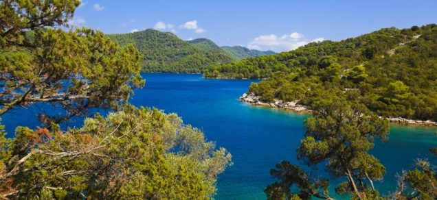 Lake-at-island-Mljet-in-Croatia_XL-870x400